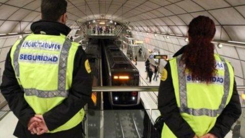 vigilantes-seguridad-estacion-Metro-Bilbao_862723721_98728_1020x574-480x270